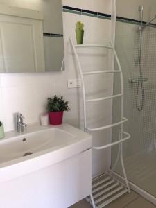 douche attenante à chambre 4