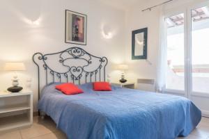 chambre4- rez de Jardin+ douche  160x200